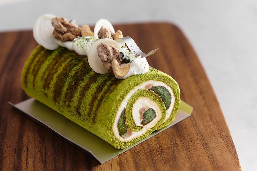 matcha-warabimochi roll